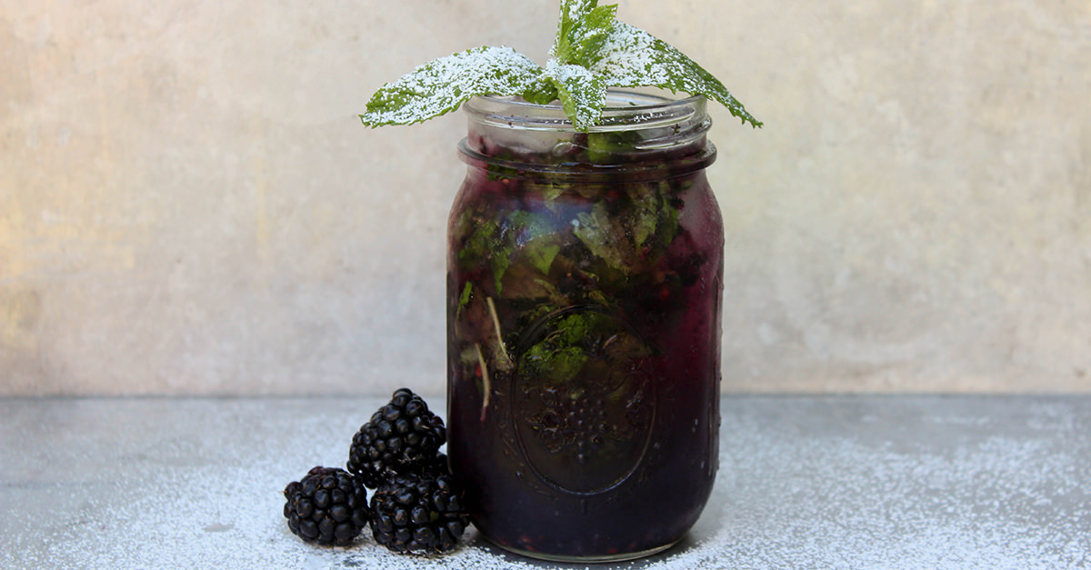 Staycation Cocktail: Blackberry Mojito [Recipe]