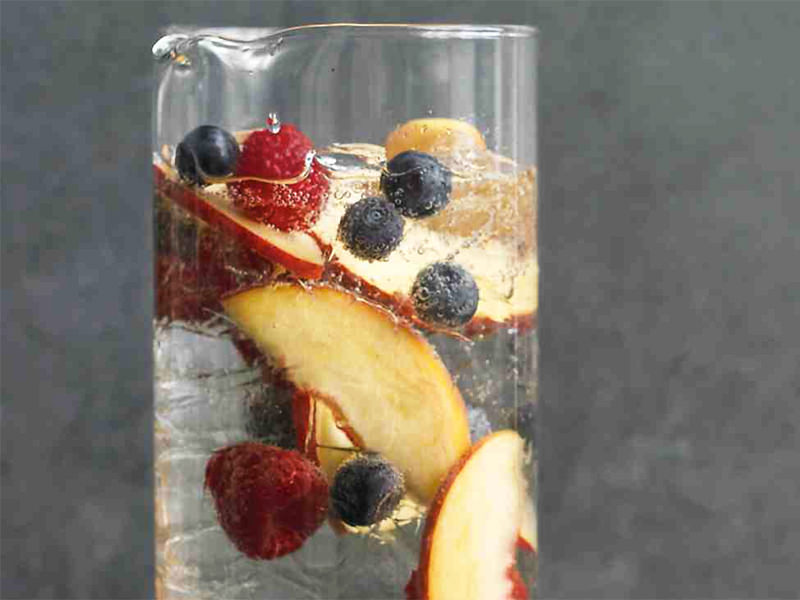 Make Champagne punch for Mother's Day