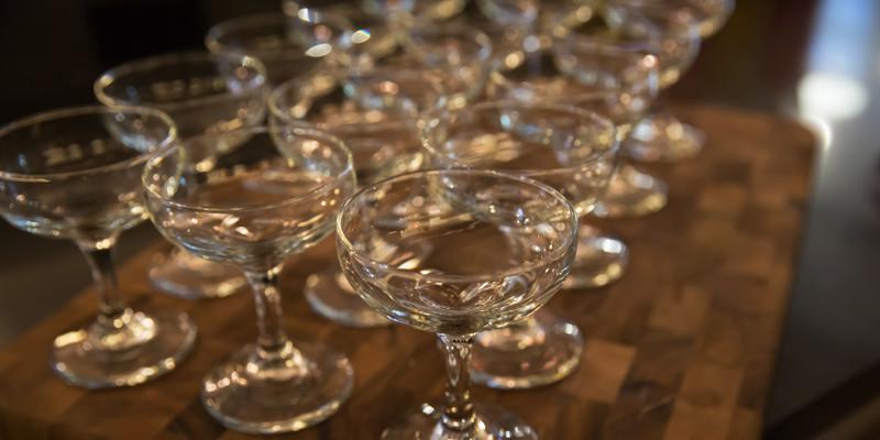Procure Champagne Coupes