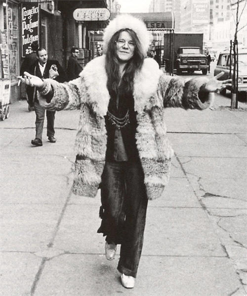 We've gotta assume this is Janis's free coat, photo courtesy of