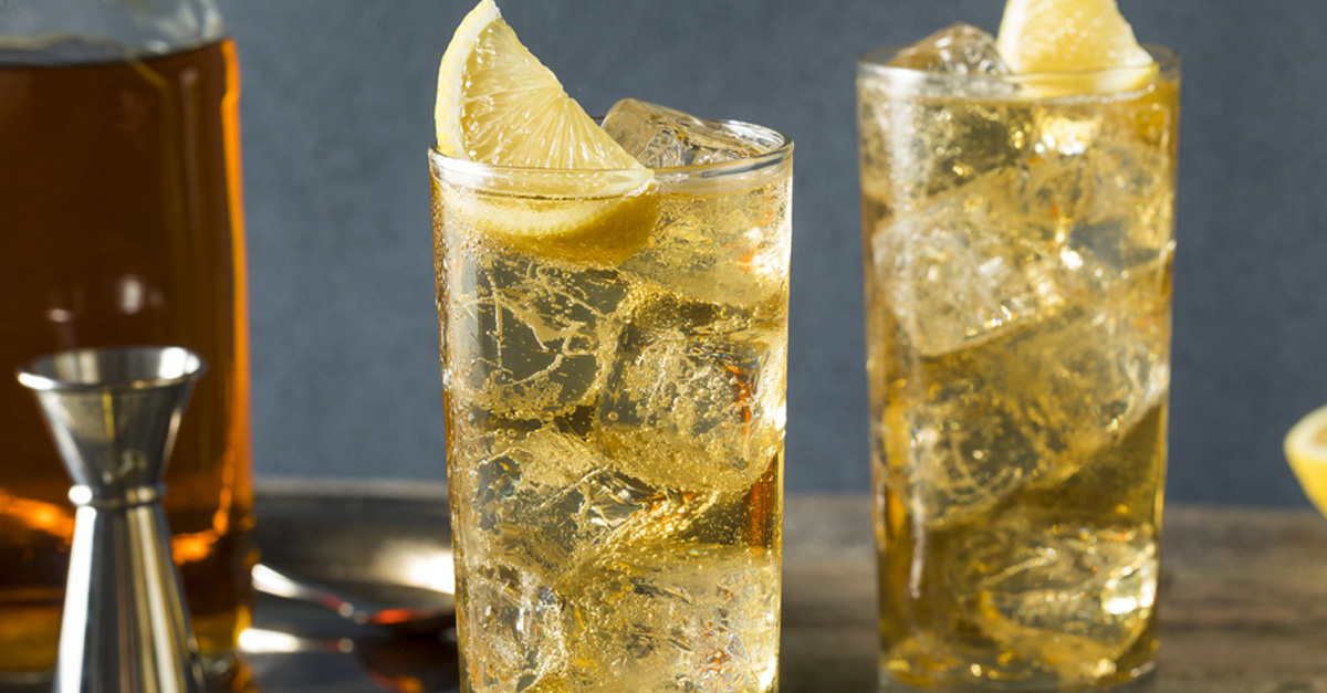 7 Drinks Under 100 Calories at Your Local Dive Bar