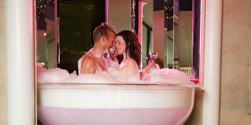 """10 Ridiculous Yet Awesome """"Romantic"""" Getaways"""