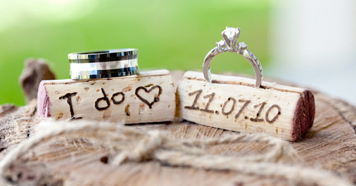10 Cork Crafts For Your Wedding