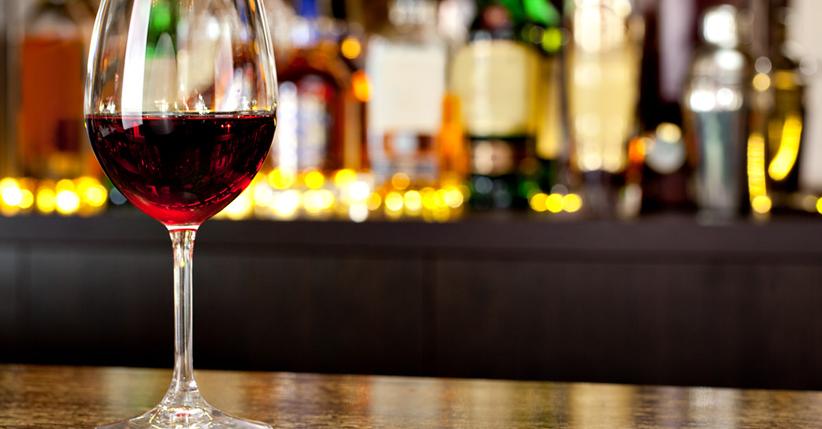 There's No Reason a Dive Bar Should Ever Serve Wine