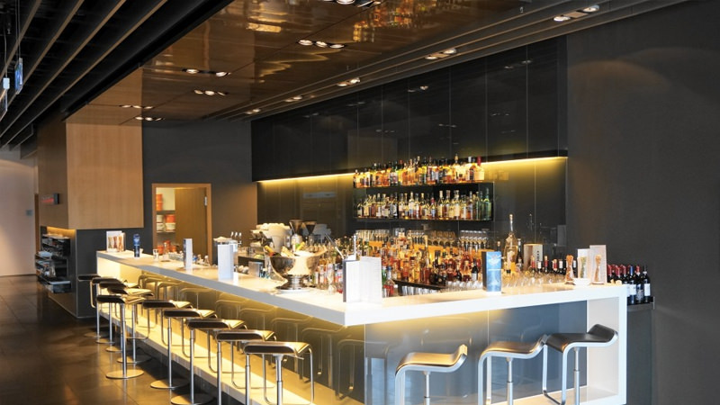 Lufthansa's First Class Frankfurt Lounge s one of the best airport lounge bars in the world