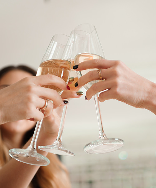5 Tips for Hosting the Perfect Sparkling Wine Tasting