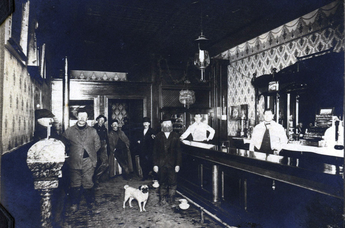 Plainfield Saloon in Illinois in the Old West.