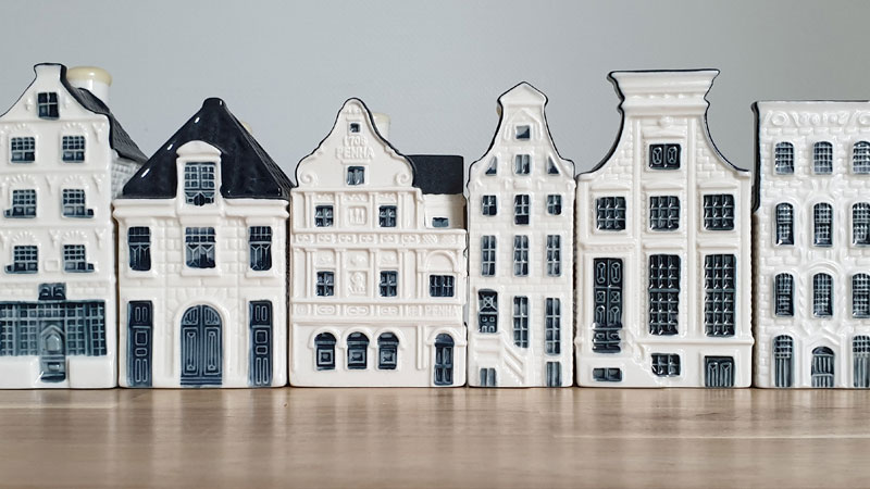 KLM houses are filled with gin or genever.