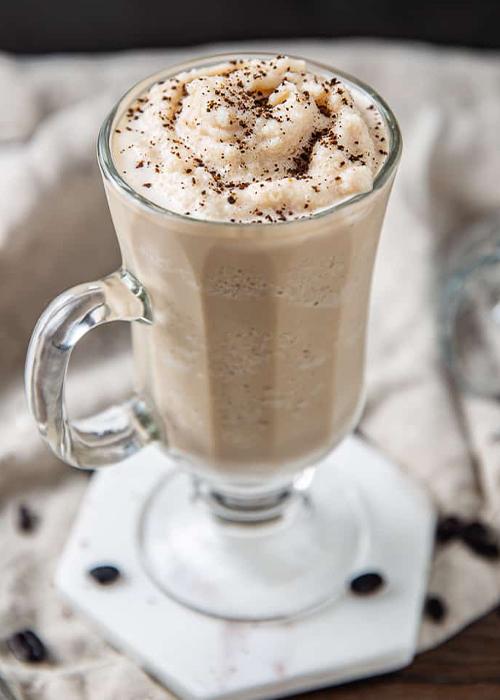 El café irlandés es una de las mejores bebidas heladas de este verano.
