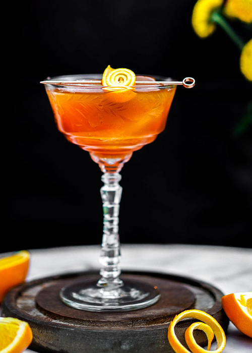 The Honey Rye Manhattan is one of the best bitter cocktails for any occasion.